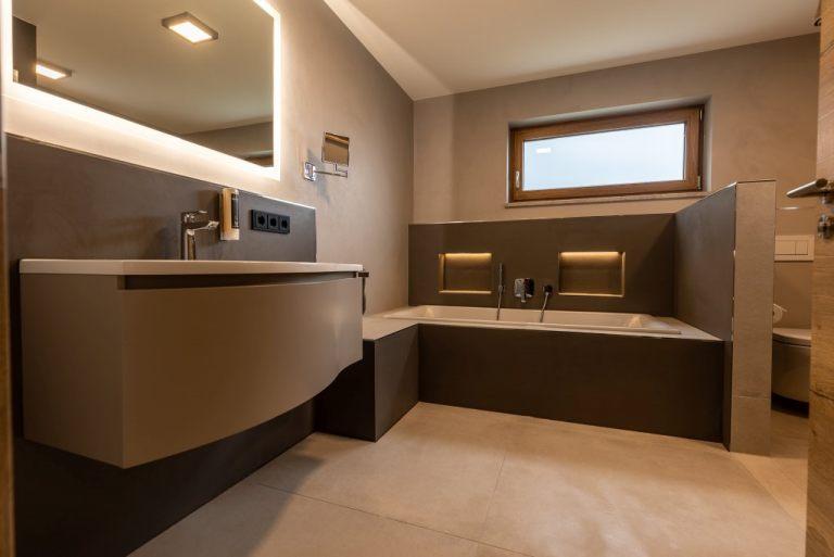 suite27_08
